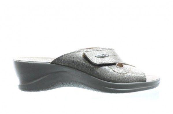Beige Slipper Met Velcro